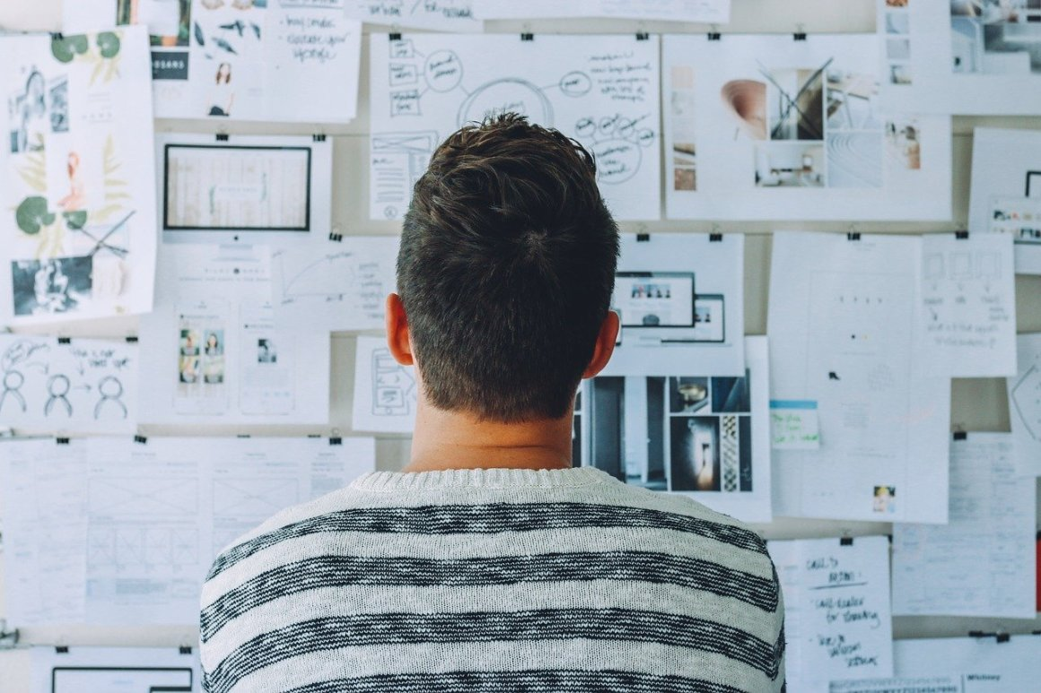 startup, whiteboard, room, startup mistakes